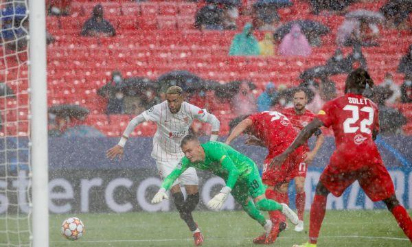 Севиля и Ред Бул Залцбург - 4 дузпи, два гола и червен картон (видео)